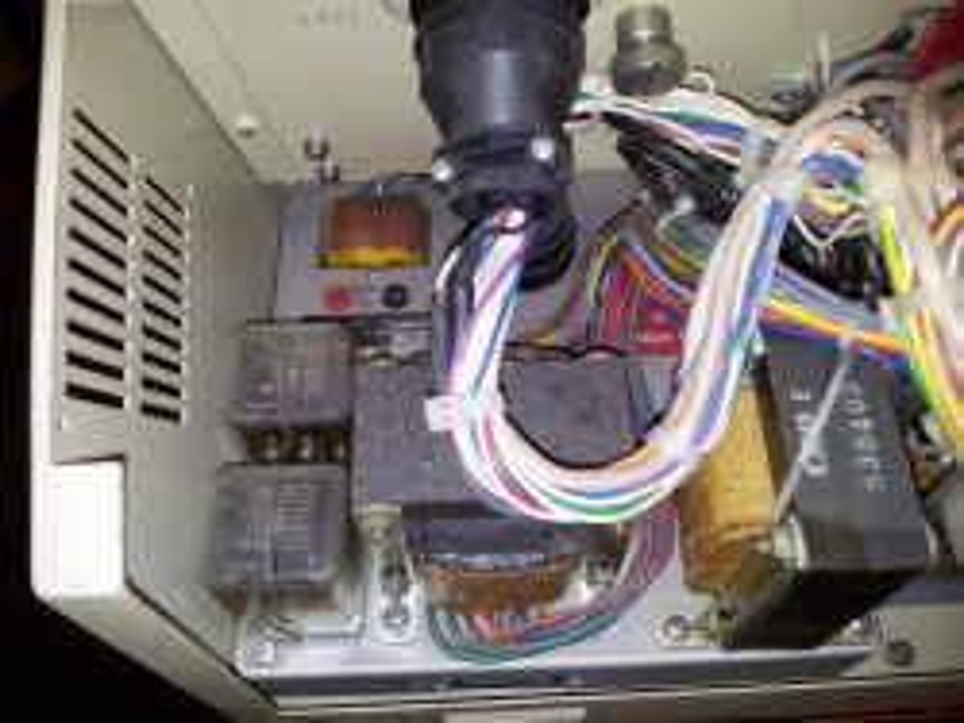 Elektronika v detailu na přepínač typu žhavícího vlákna.
