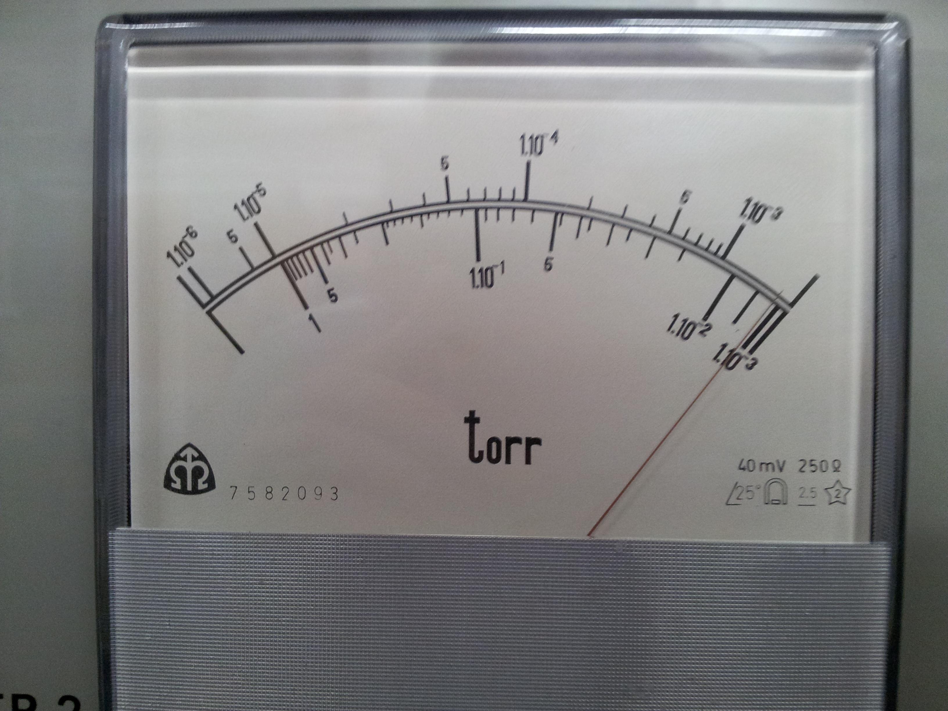 Tlak referenční piraniho měrky po připojení difuzky na tesport.