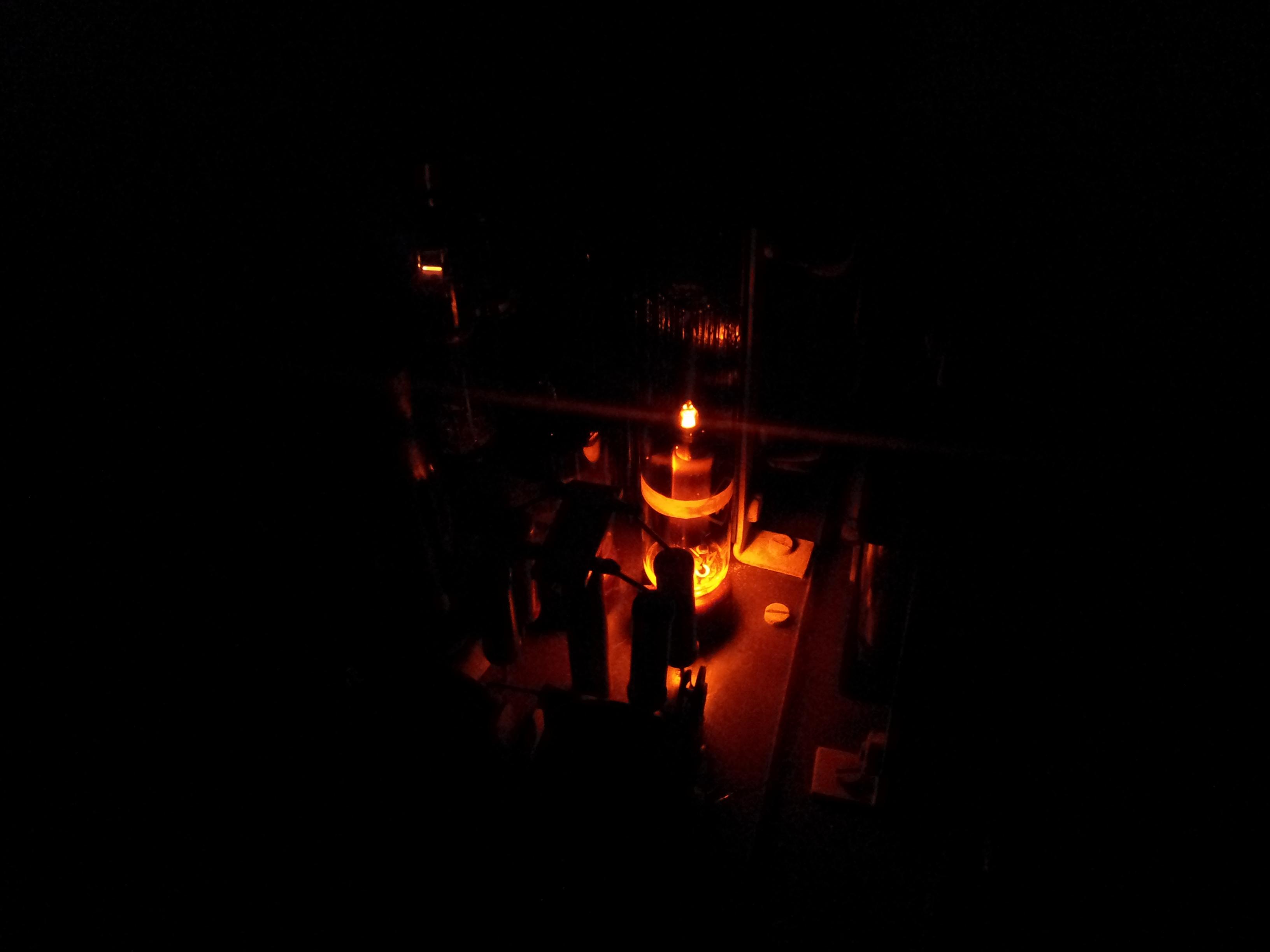 Neonový stabilizátor napětí ve tmě :).