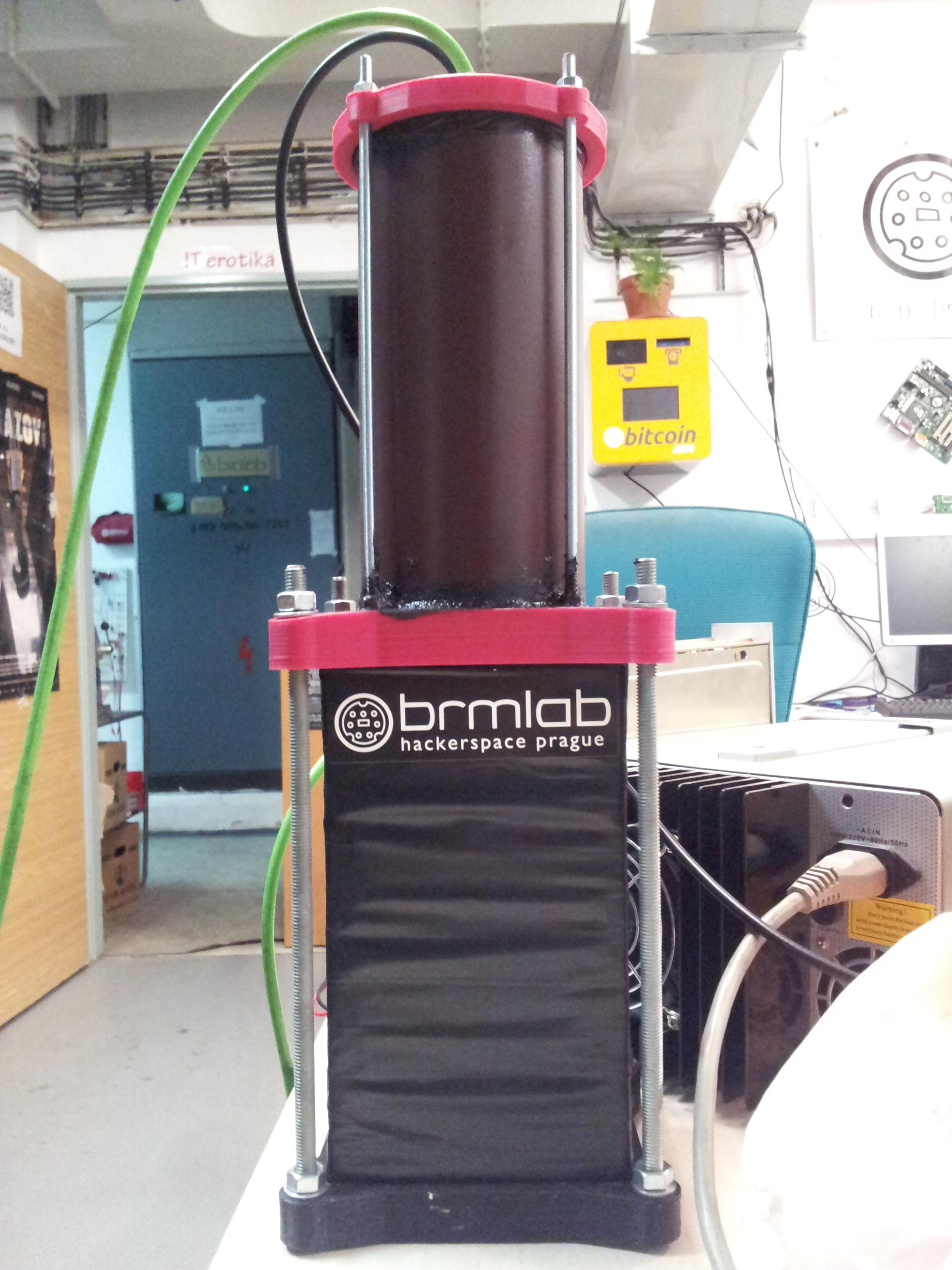 Brmlab's scintillation radiation detector.