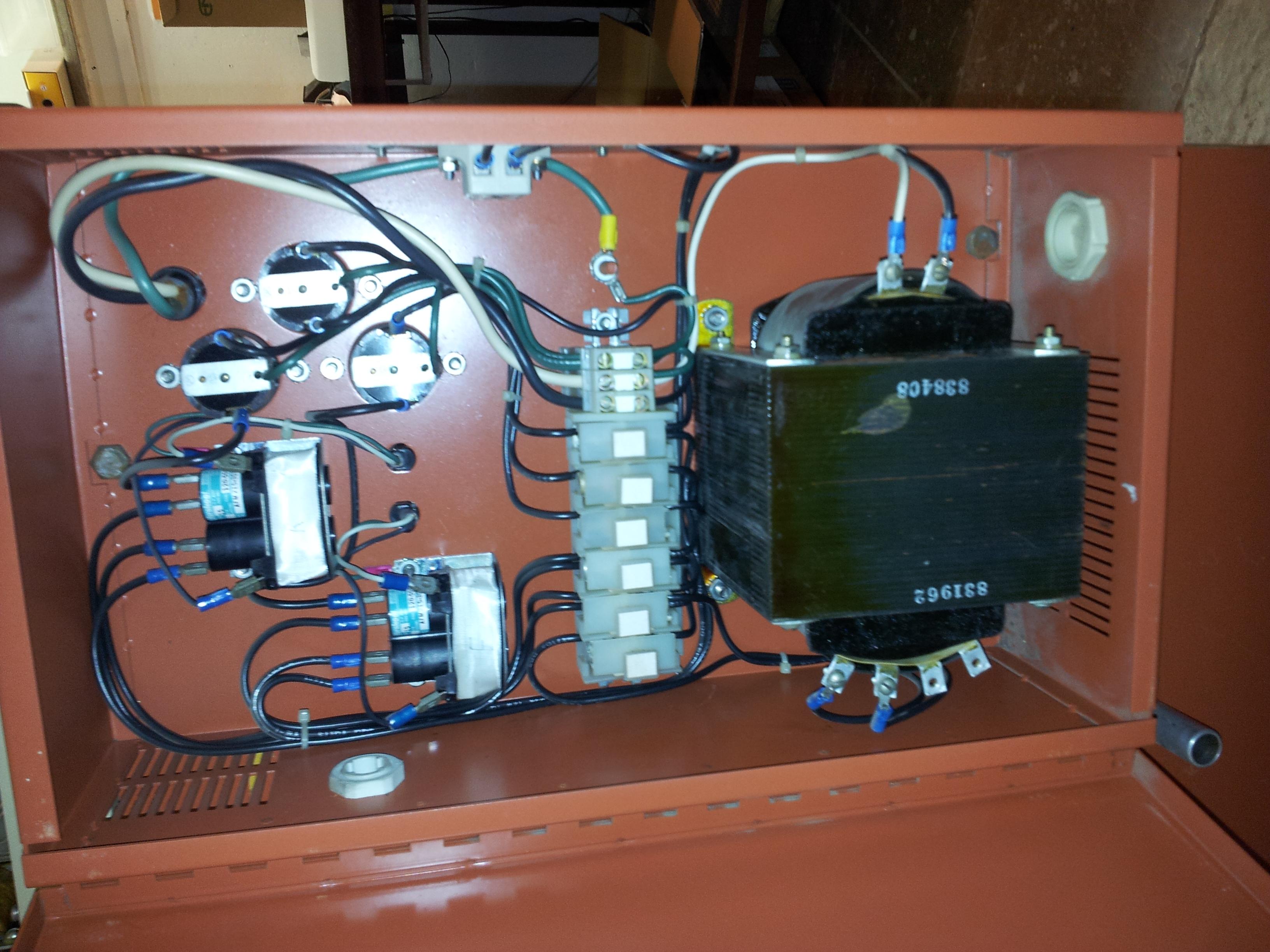 Silová elektronika s trafem 230/115V.